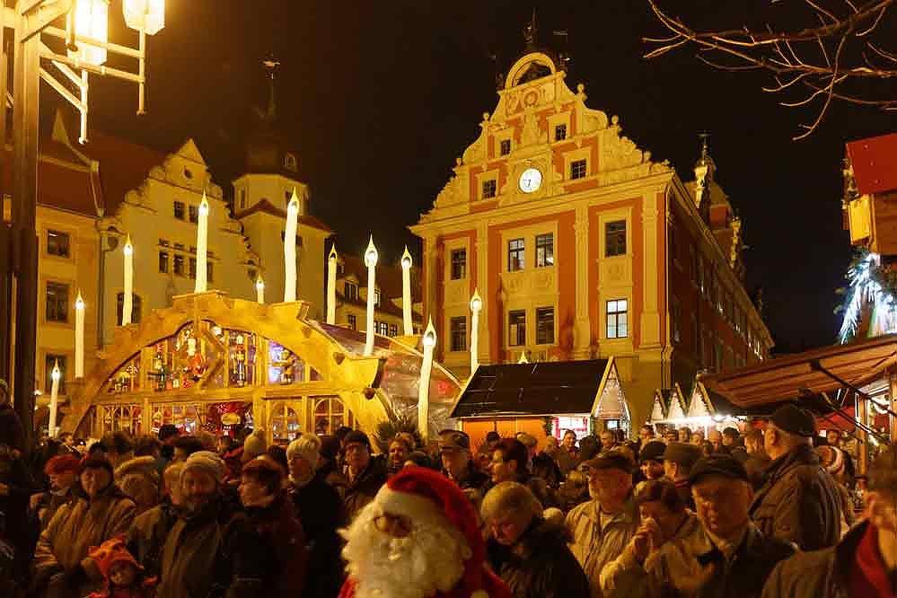 Suhl Weihnachtsmarkt.Thüringer Städte Verbreiten Weihnachtsstimmung 24 11 2016 00 15 Uhr