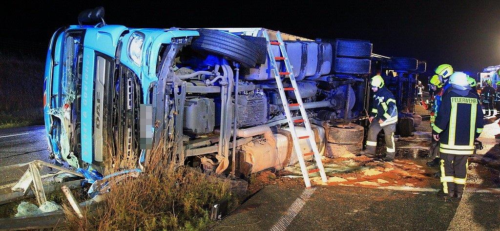 Lkw Unfall Auf Der Autobahn Die Bilder 21 10 2020 08 44 Uhr